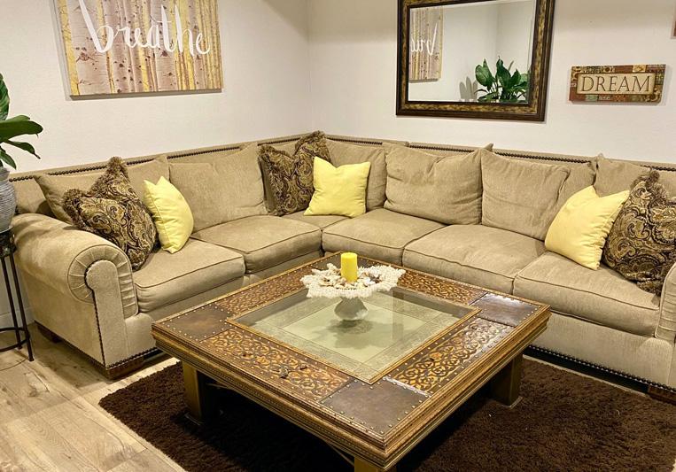 casa pacifica seating area